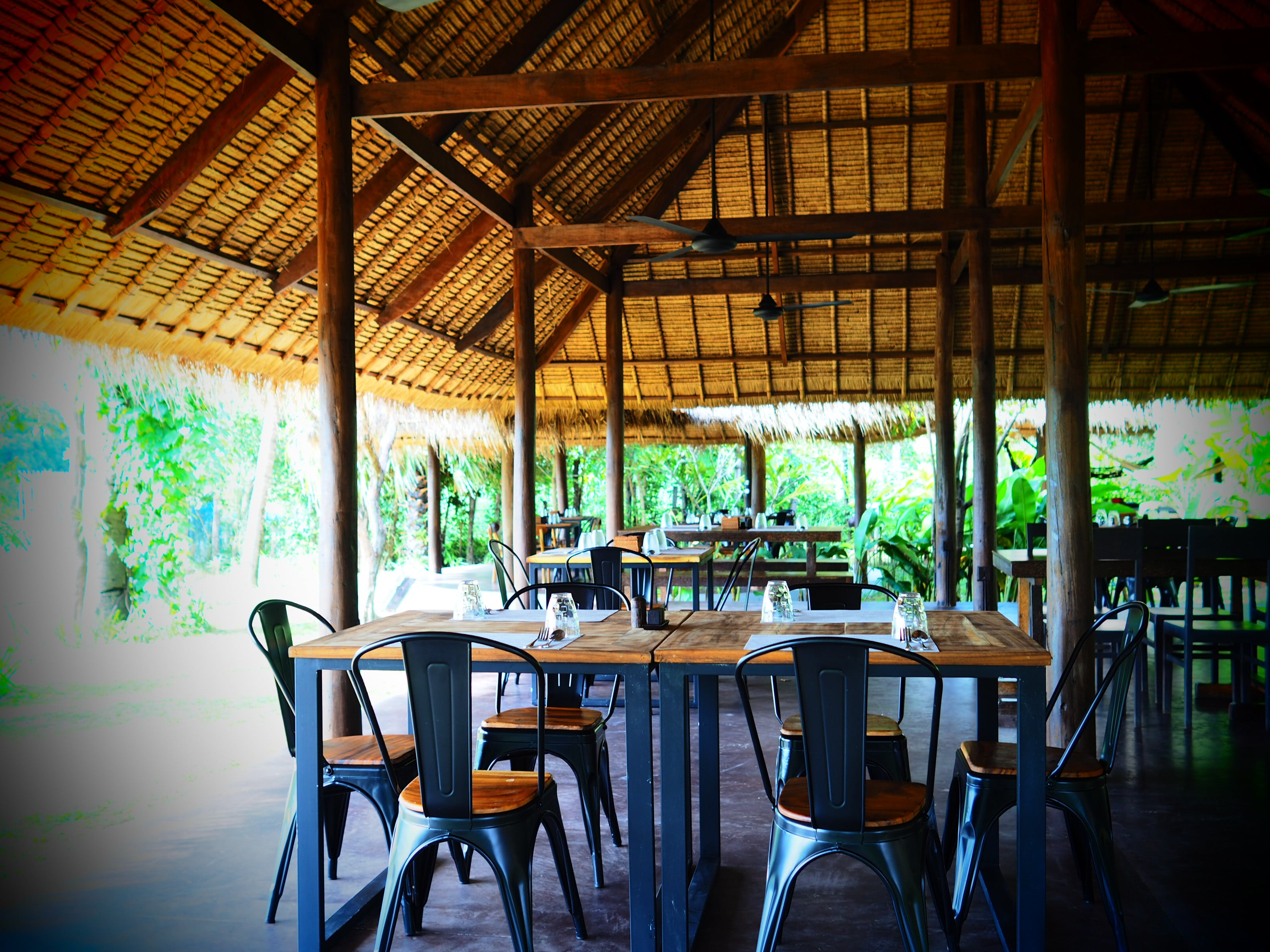 Devatas Restaurant only minutes from Banteay Srey Temple
